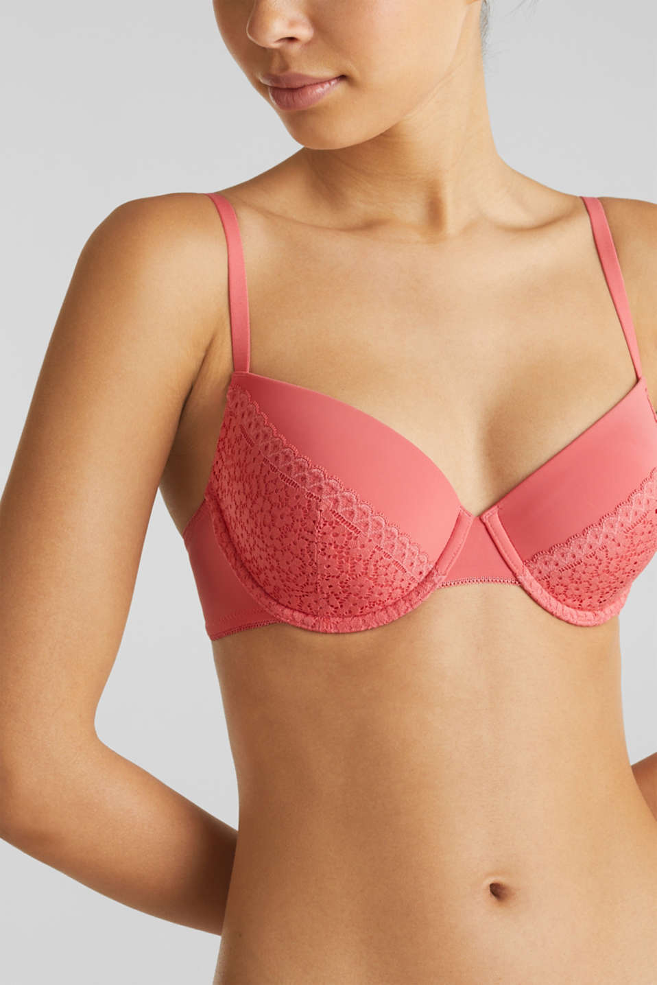 Padded underwire bra with crocheted lace, CORAL RED, detail image number 2