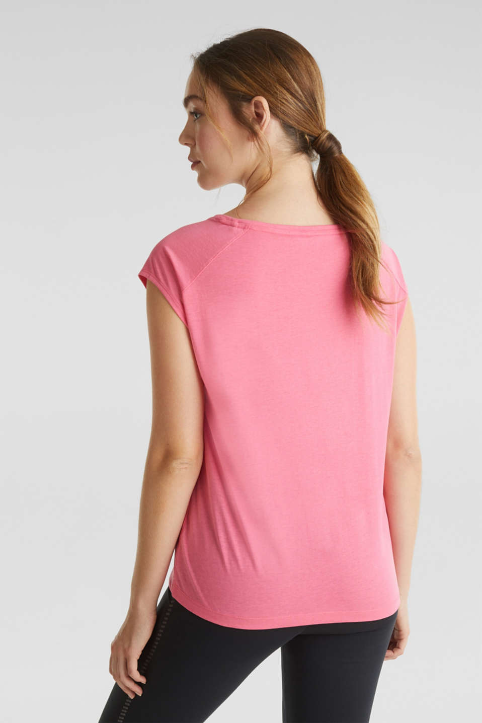 Top with a glittering statement print, CORAL, detail image number 3