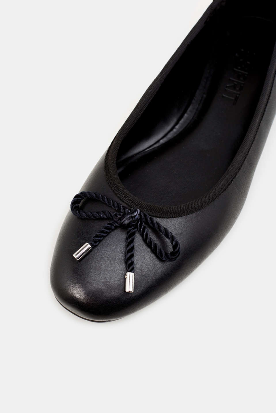 Made of leather: Ballerina with a cord bow, BLACK, detail image number 4