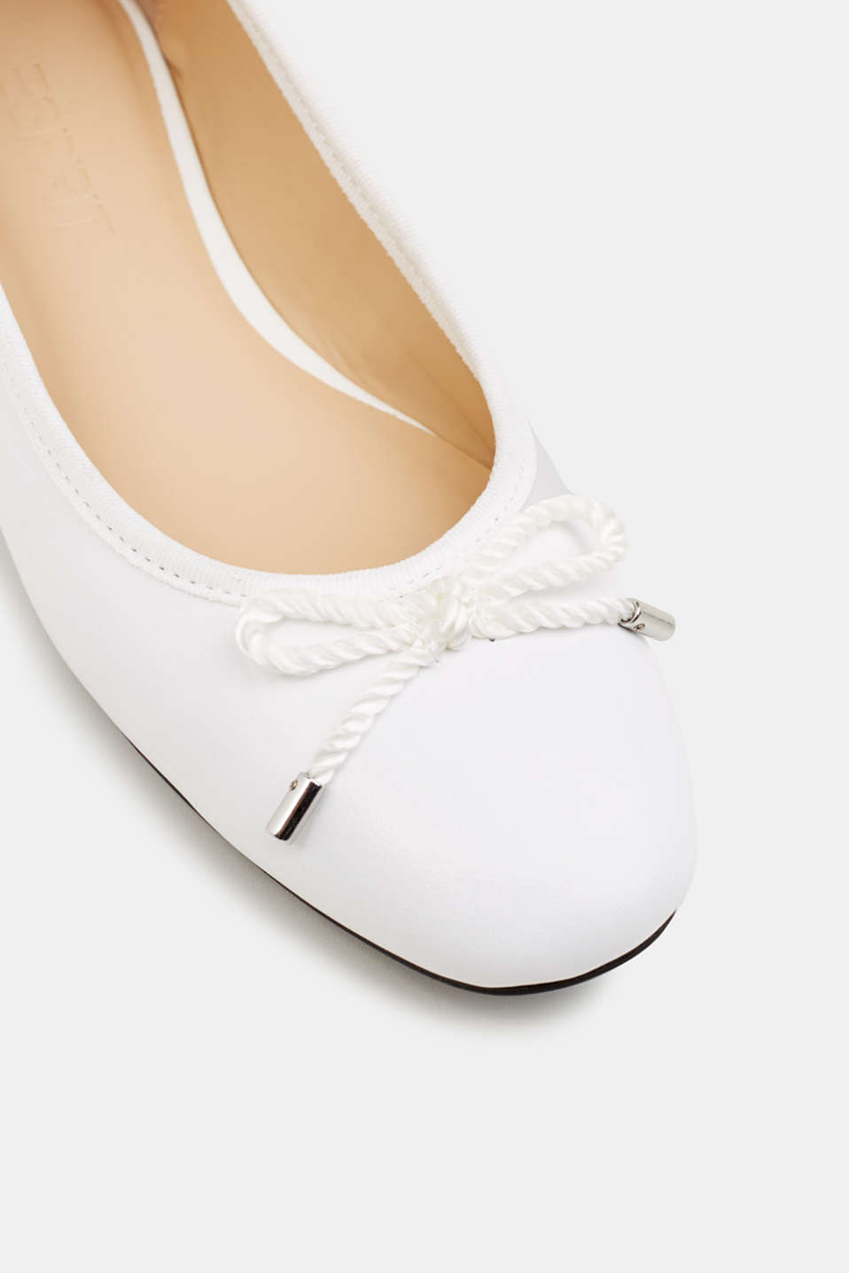 Made of leather: Ballerina with a cord bow, WHITE, detail image number 4