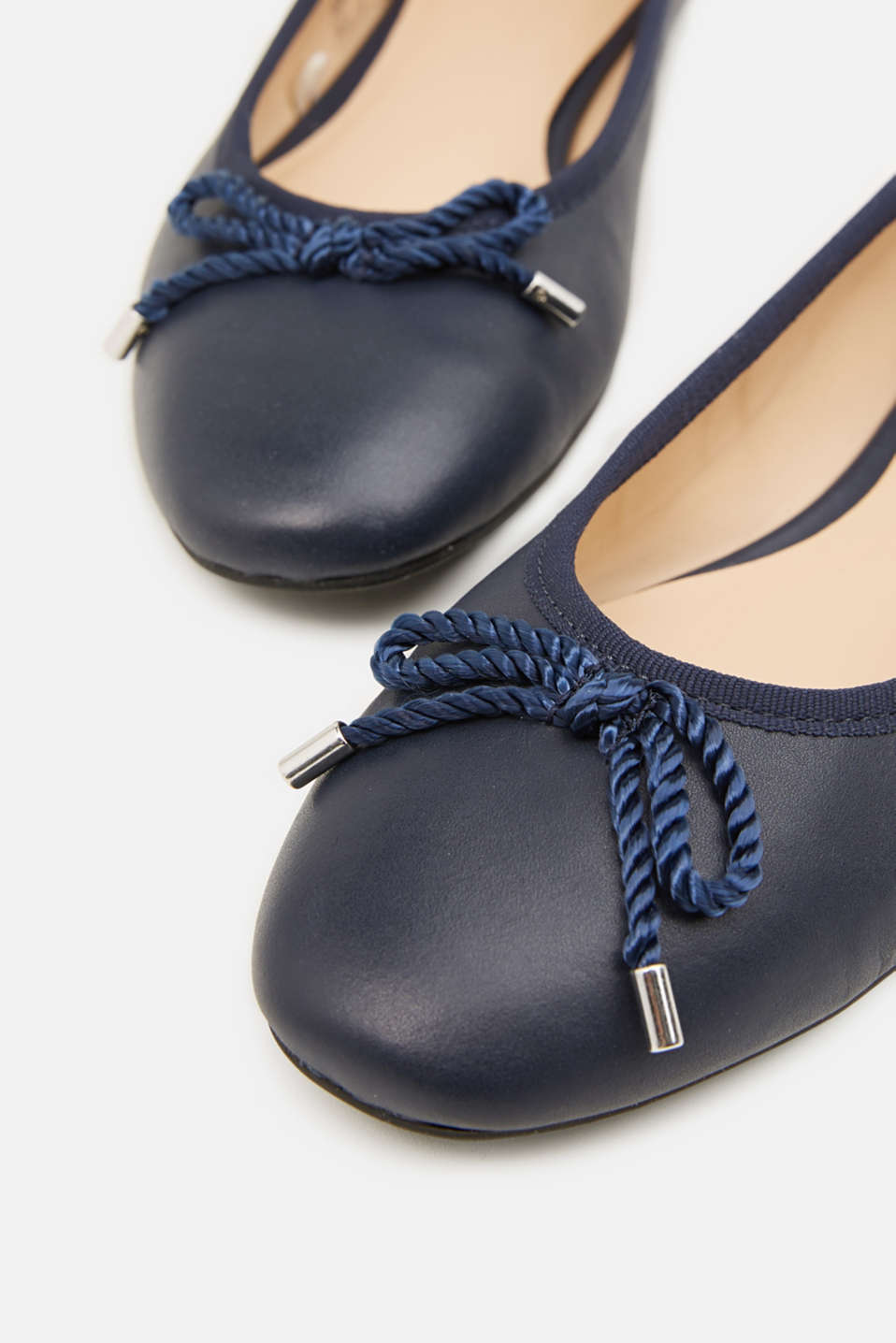 Made of leather: Ballerina with a cord bow, NAVY, detail image number 3