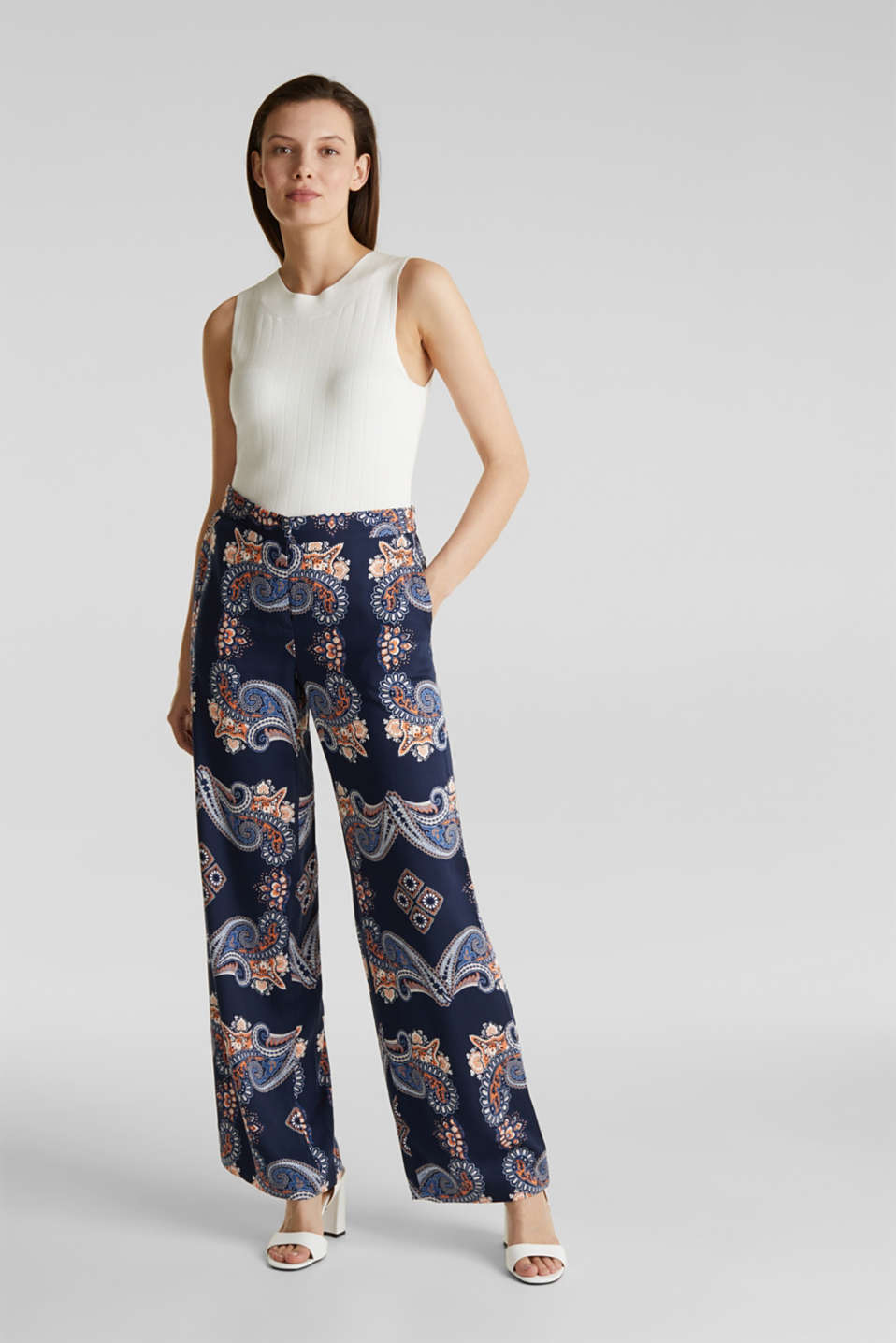 Esprit - Flowing palazzo trousers with a print