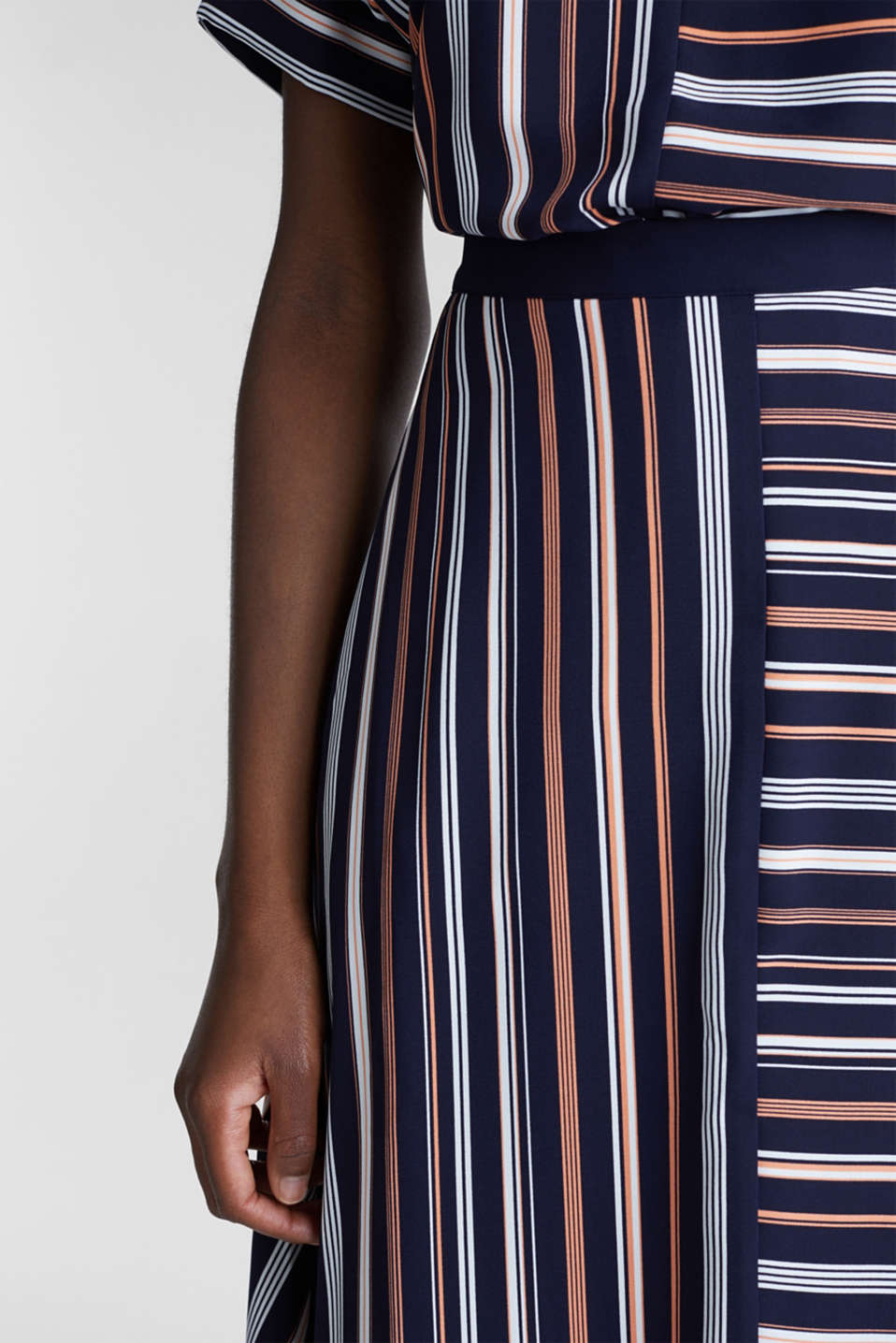 Crêpe skirt with a striped print, NAVY 2, detail image number 2