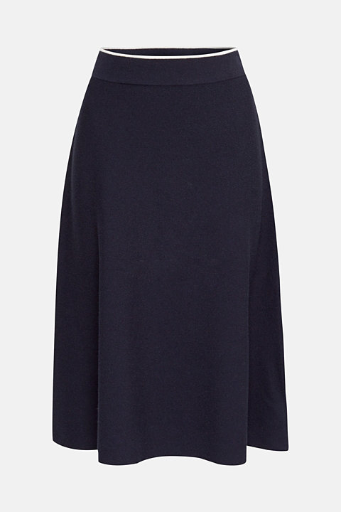Knitted A-line skirt with a contrasting waistband