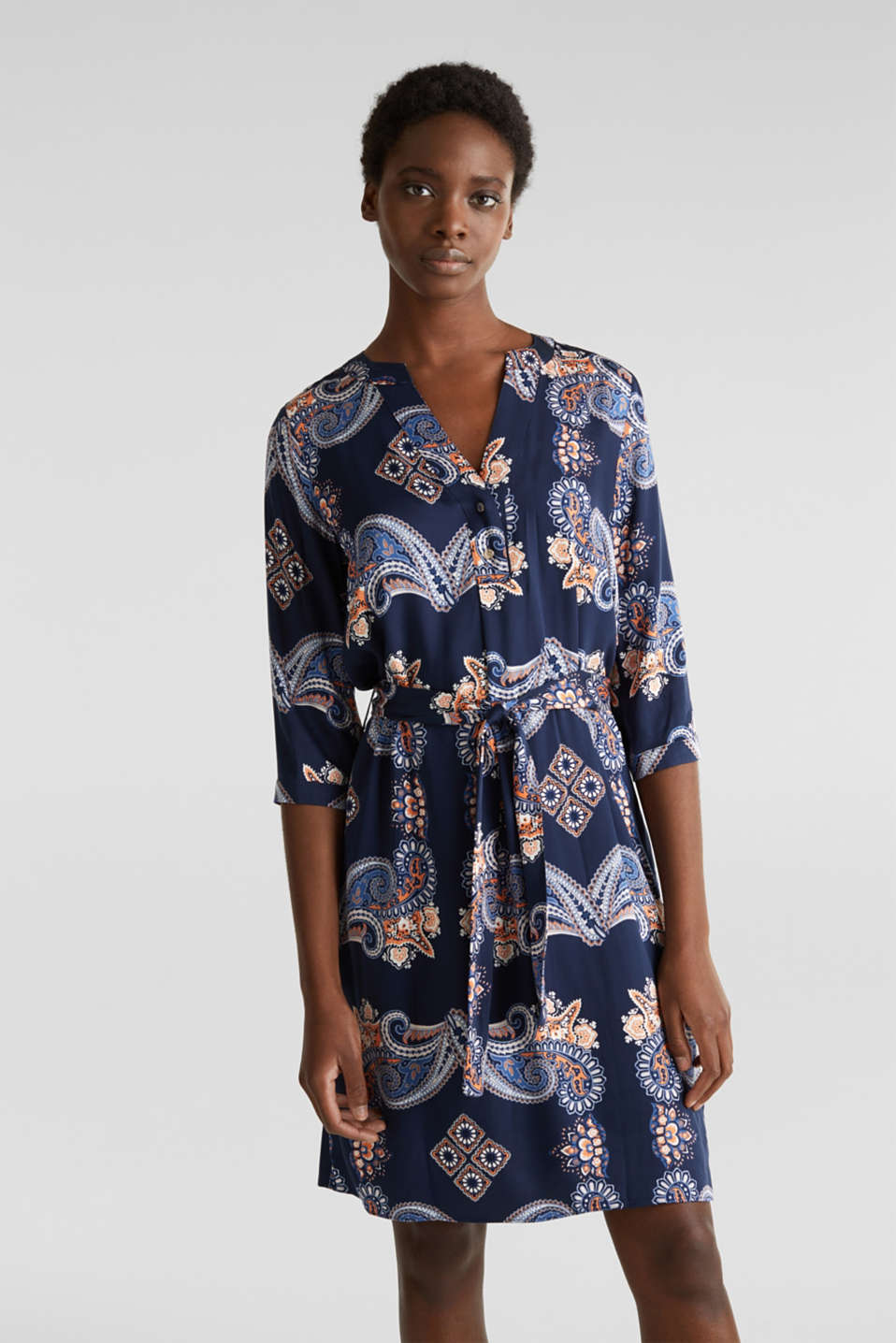 Esprit - Woven dress with a print and a slip