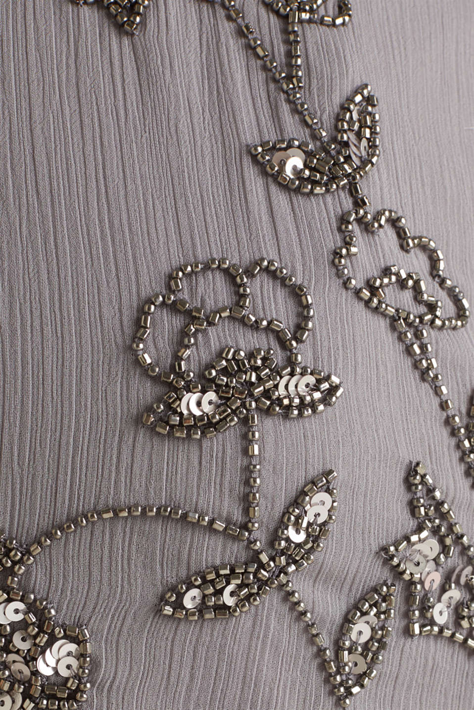 Crinkle chiffon dress with a beaded decoration, GREY, detail image number 4