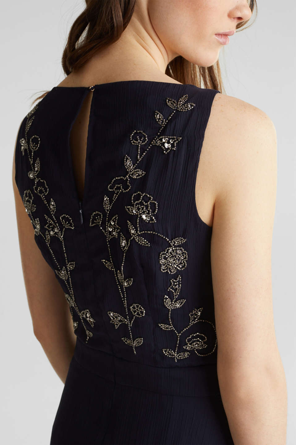 Crinkle chiffon dress with a beaded decoration, NAVY, detail image number 3