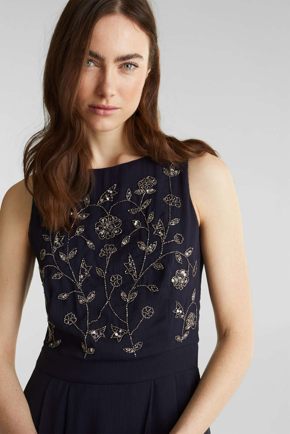 Crinkle chiffon dress with a beaded decoration, NAVY, detail image number 5