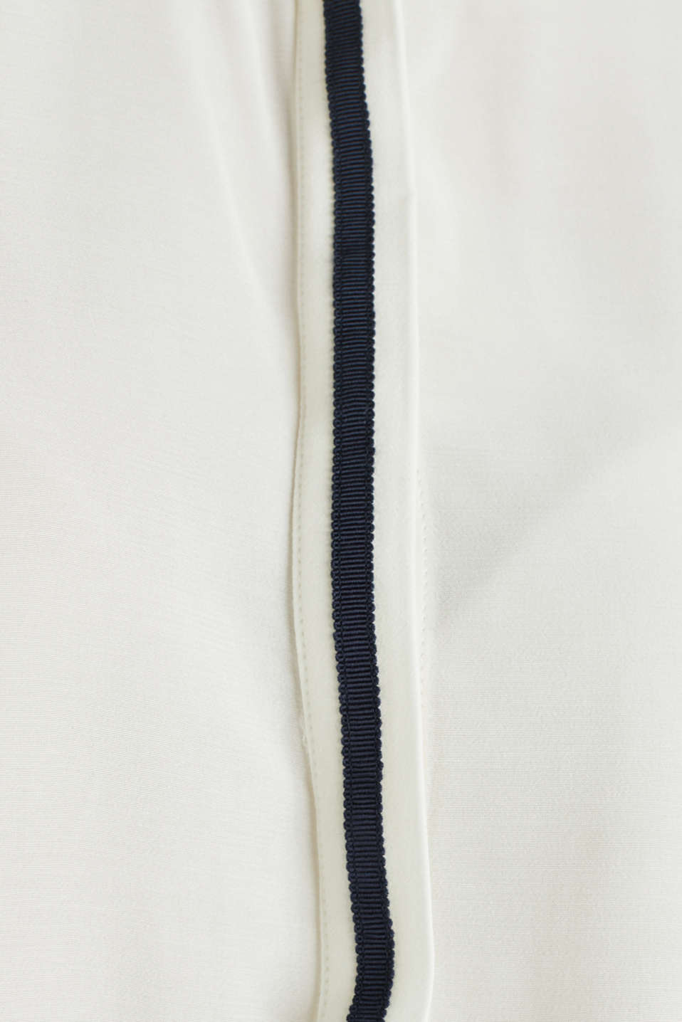 Blouse made from LENZING™ ECOVERO™, OFF WHITE, detail image number 4