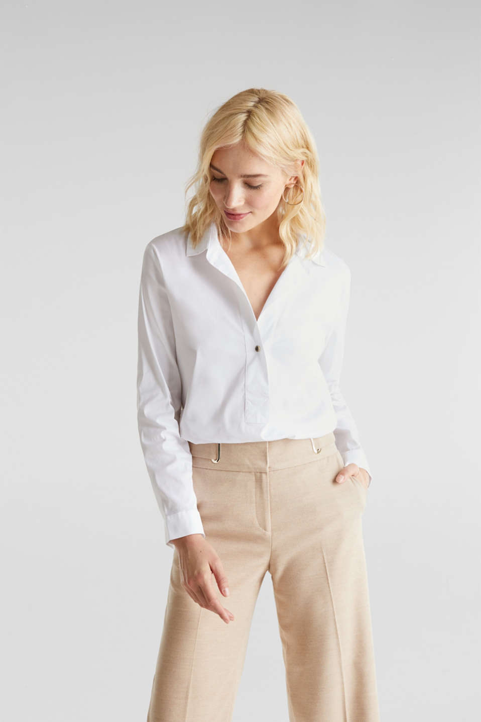 Esprit - Slip-on stretch blouse with a high-low hem