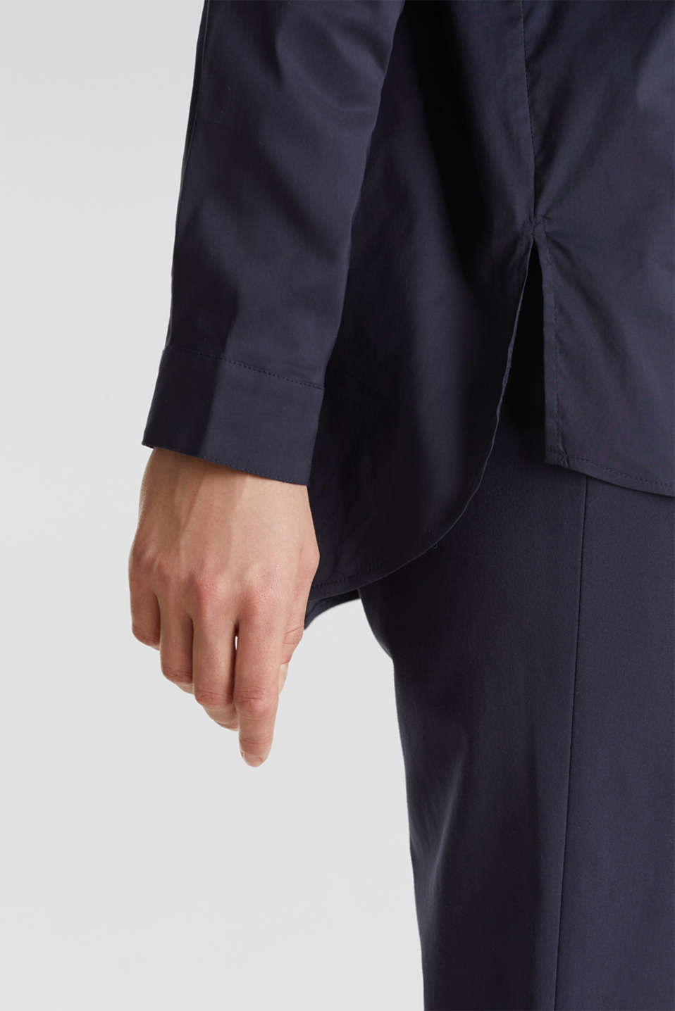 Slip-on stretch blouse with a high-low hem, NAVY, detail image number 5