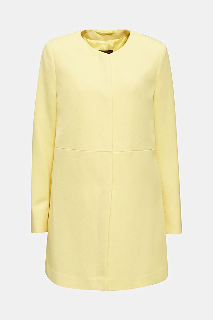 Coat with piqué texture