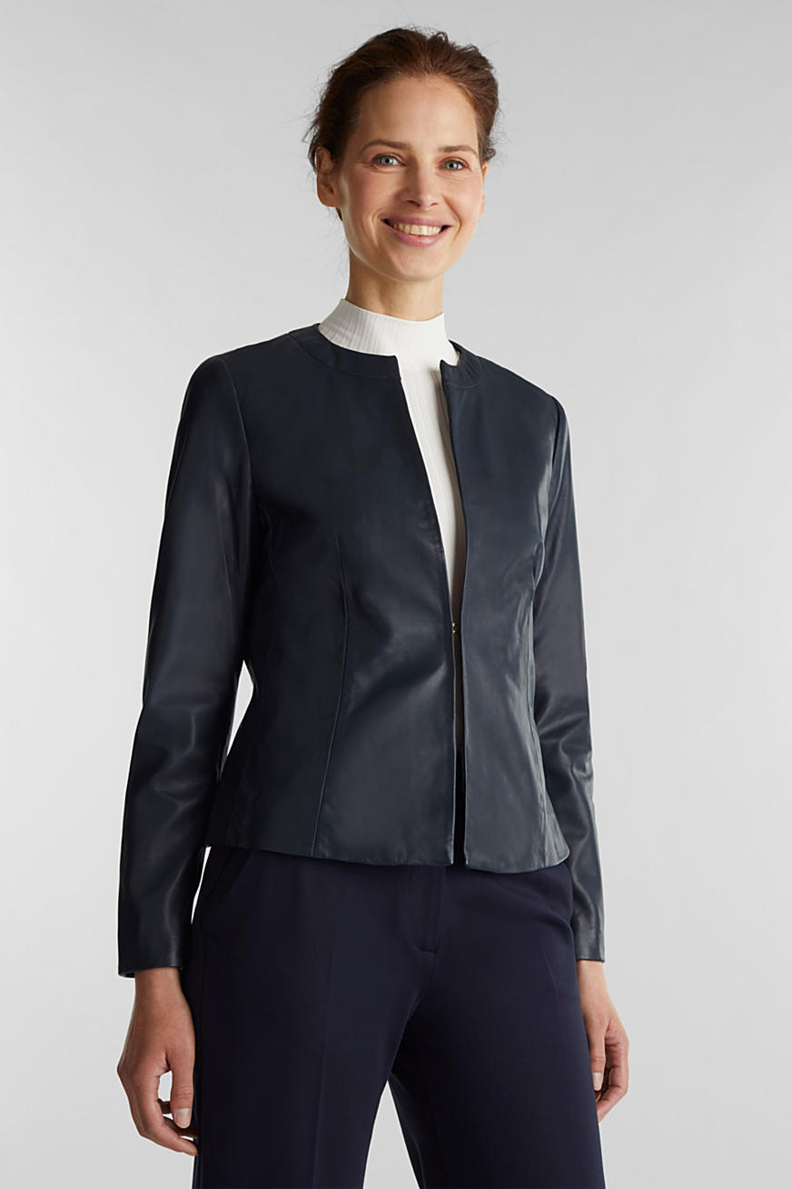 Feminine, fitted jacket made of leather