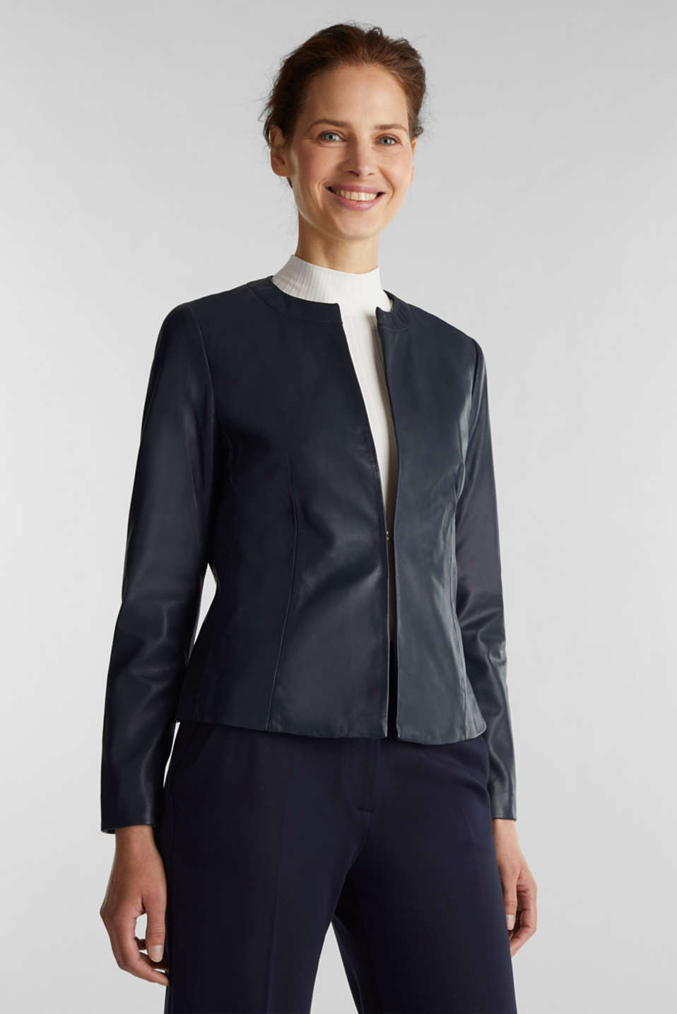 Esprit - Feminine, fitted jacket made of leather