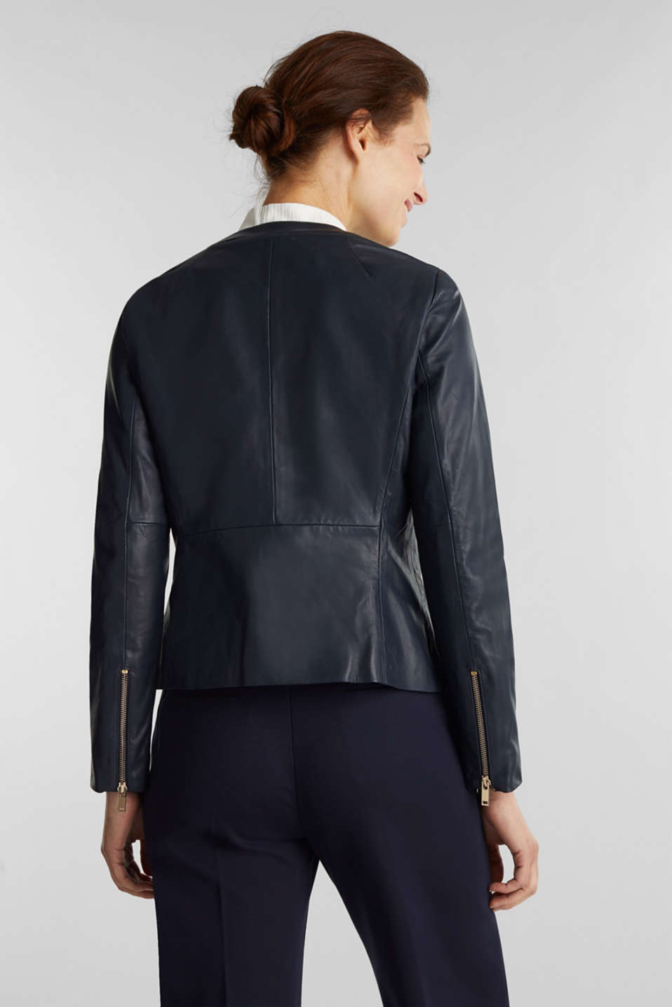 Feminine, fitted jacket made of leather, NAVY, detail image number 3