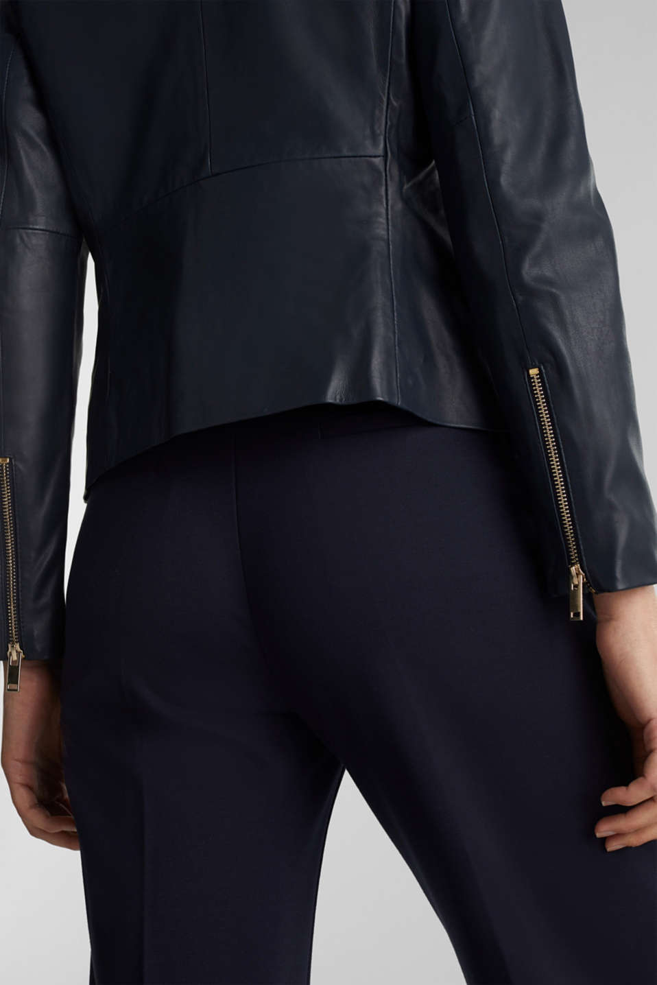 Feminine, fitted jacket made of leather, NAVY, detail image number 2