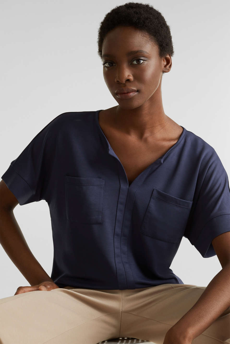 Piqué top with a patch pockets, NAVY, detail image number 6
