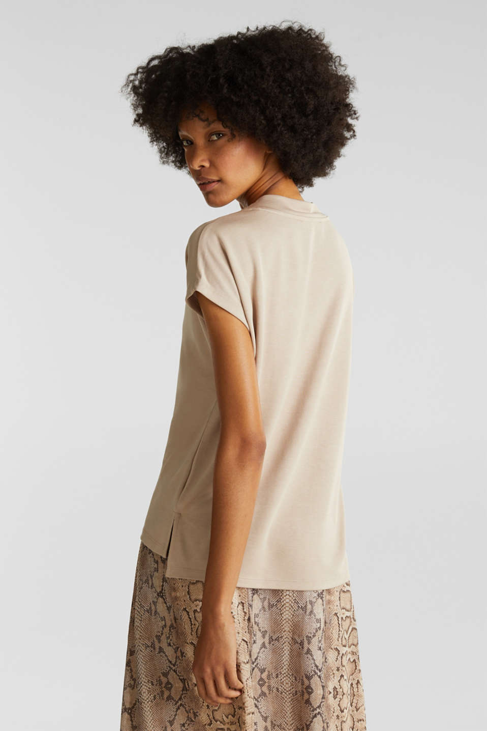 Piqué top with a wide neckline trim, BEIGE, detail image number 2
