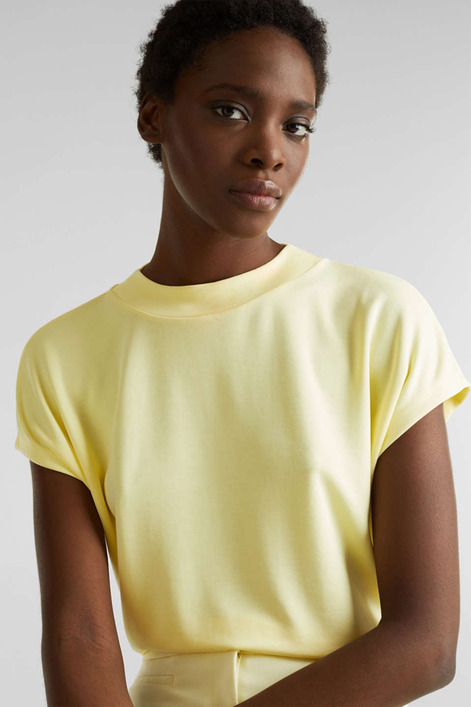 Piqué top with a wide neckline trim, LIME YELLOW, detail image number 6
