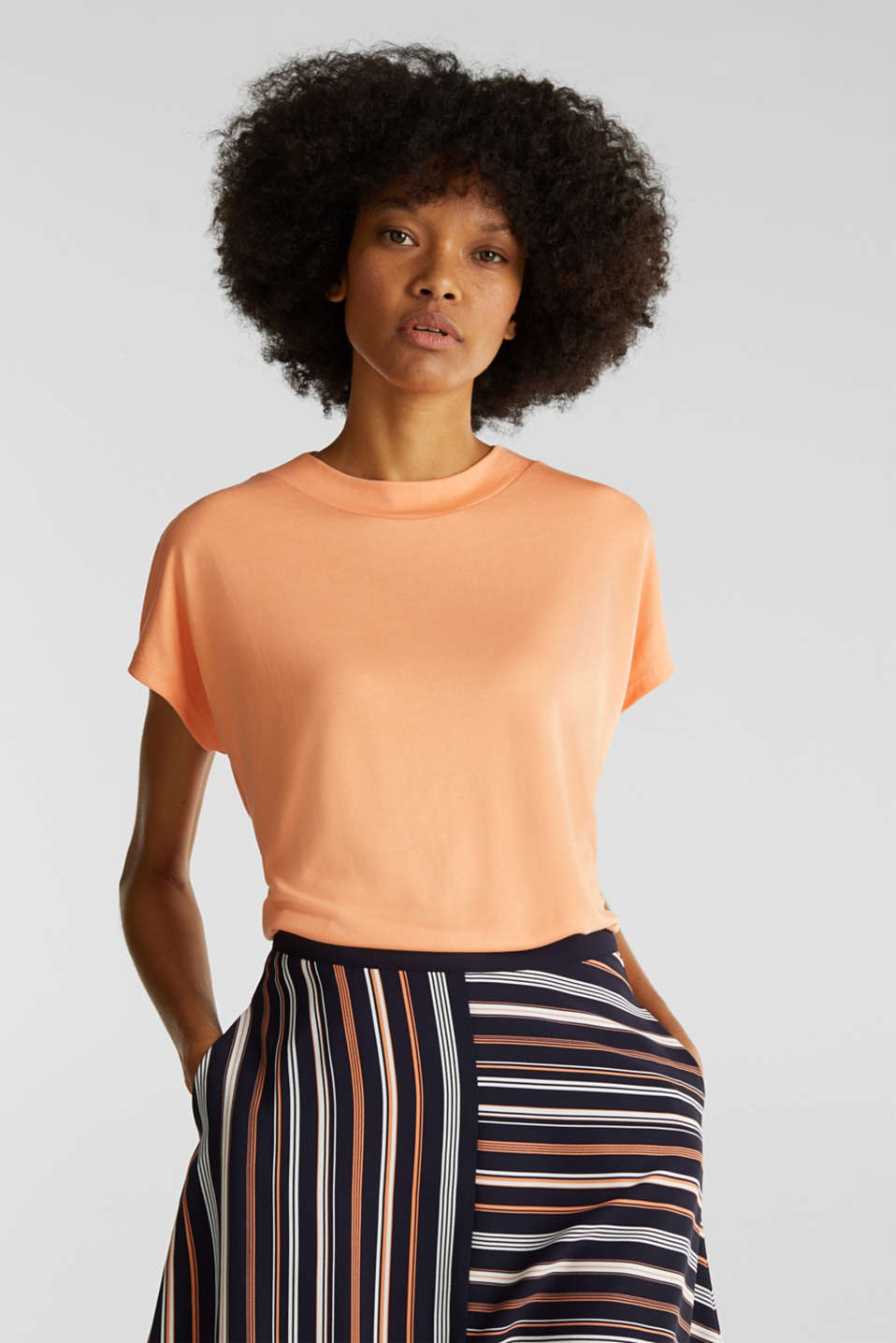 Esprit - Piqué top with a wide decorative trim
