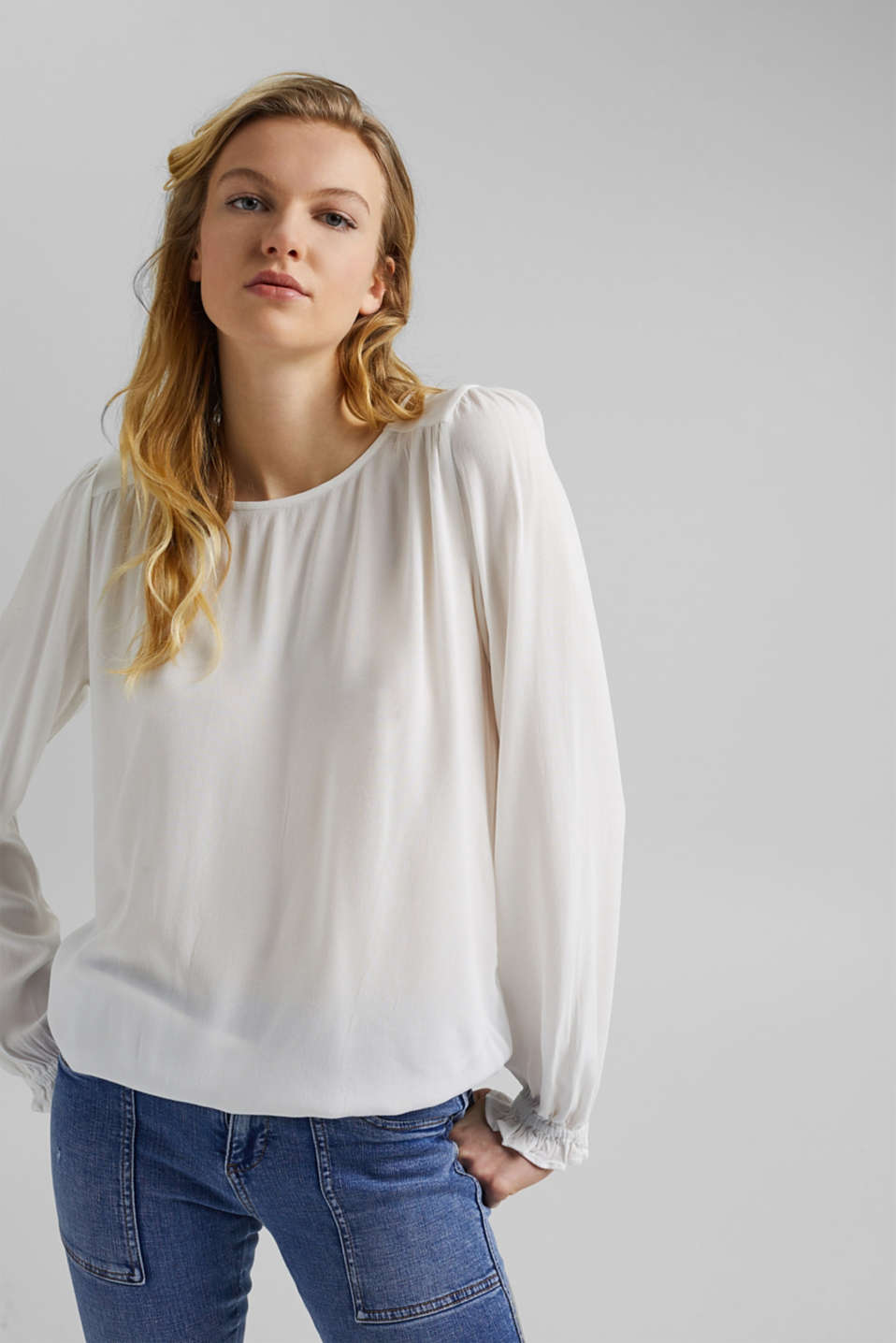 edc - Dainty blouse made of LENZING™ ECOVERO™
