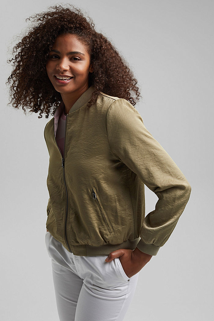 Leichte Bomber-Jacke mit Crash-Struktur, LIGHT KHAKI, overview