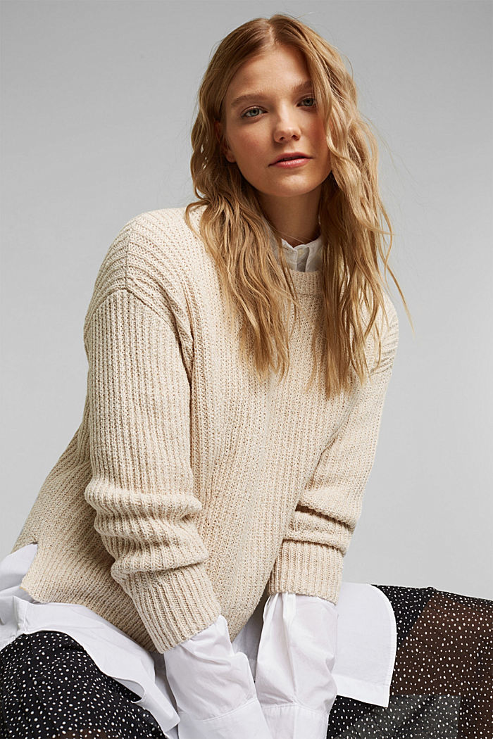 Ribbed jumper containing organic cotton