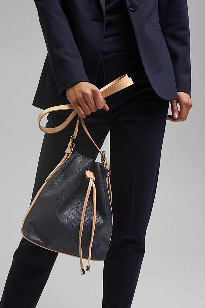 Susie T. Bucket Bag, vegan