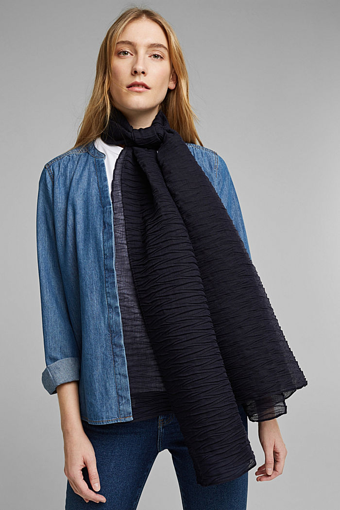 Recycled: Scarf with accordion pleats, NAVY, detail image number 1