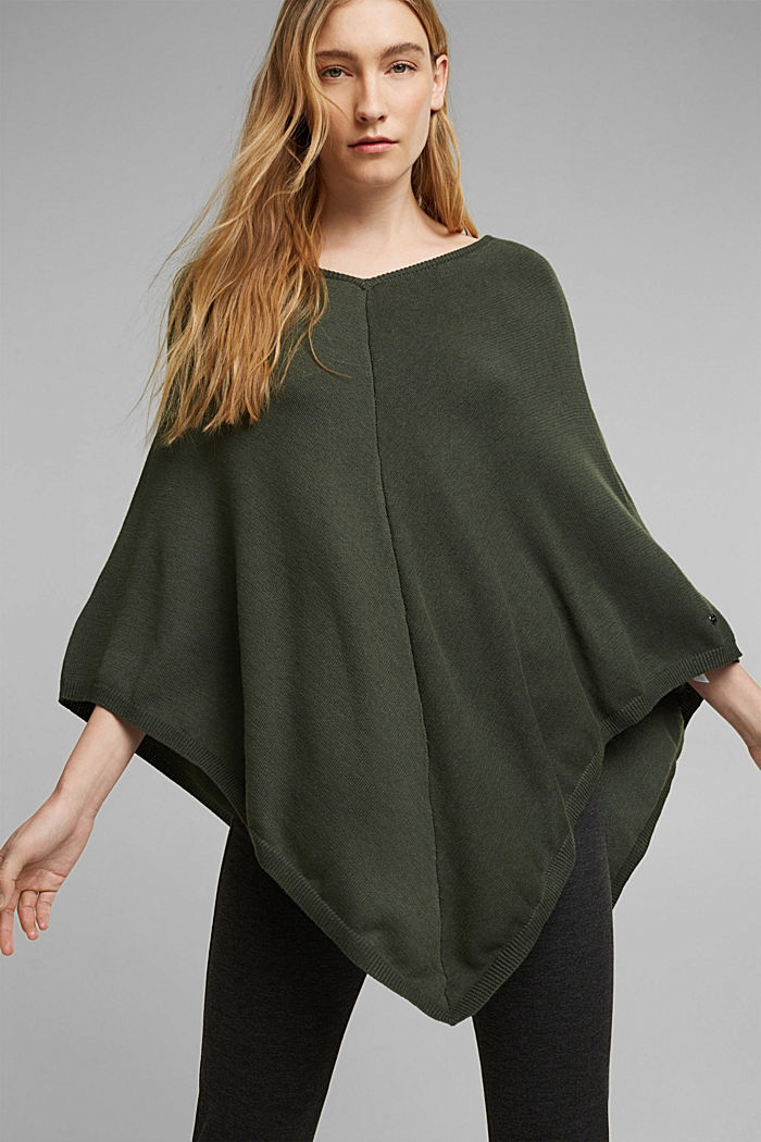 Recycled and with wool: handkerchief hem poncho