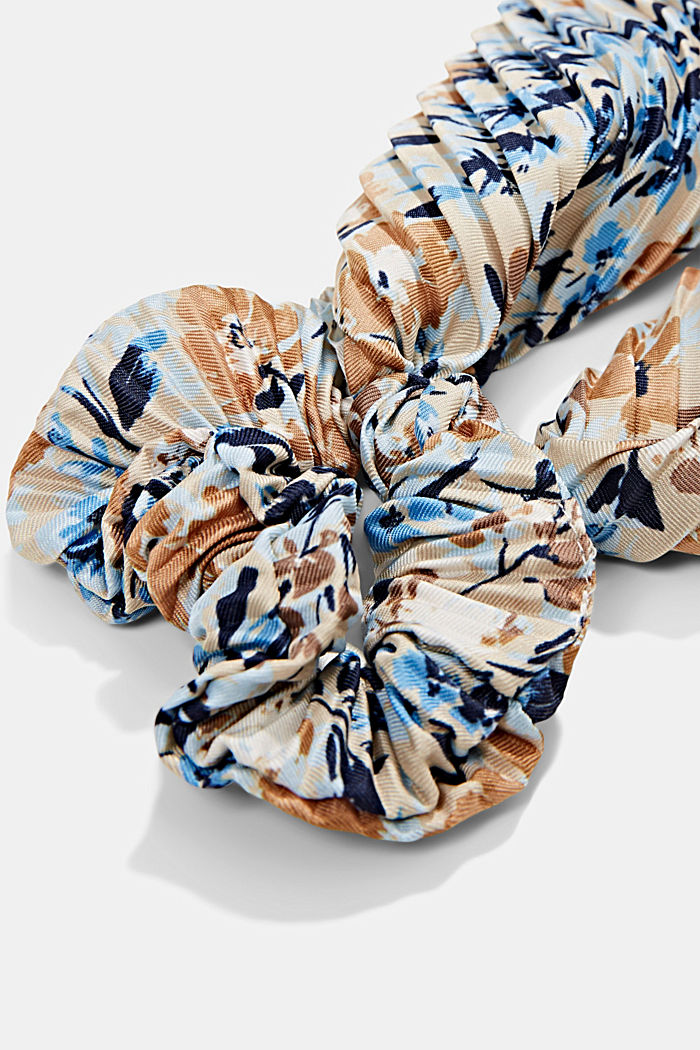 Recycled: Scrunchie with a floral pattern, SAND, detail image number 1
