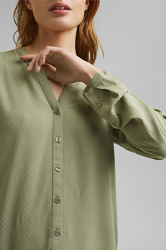 Dainty smocked blouse made of LENZING™ ECOVERO™, LIGHT KHAKI, detail image number 2