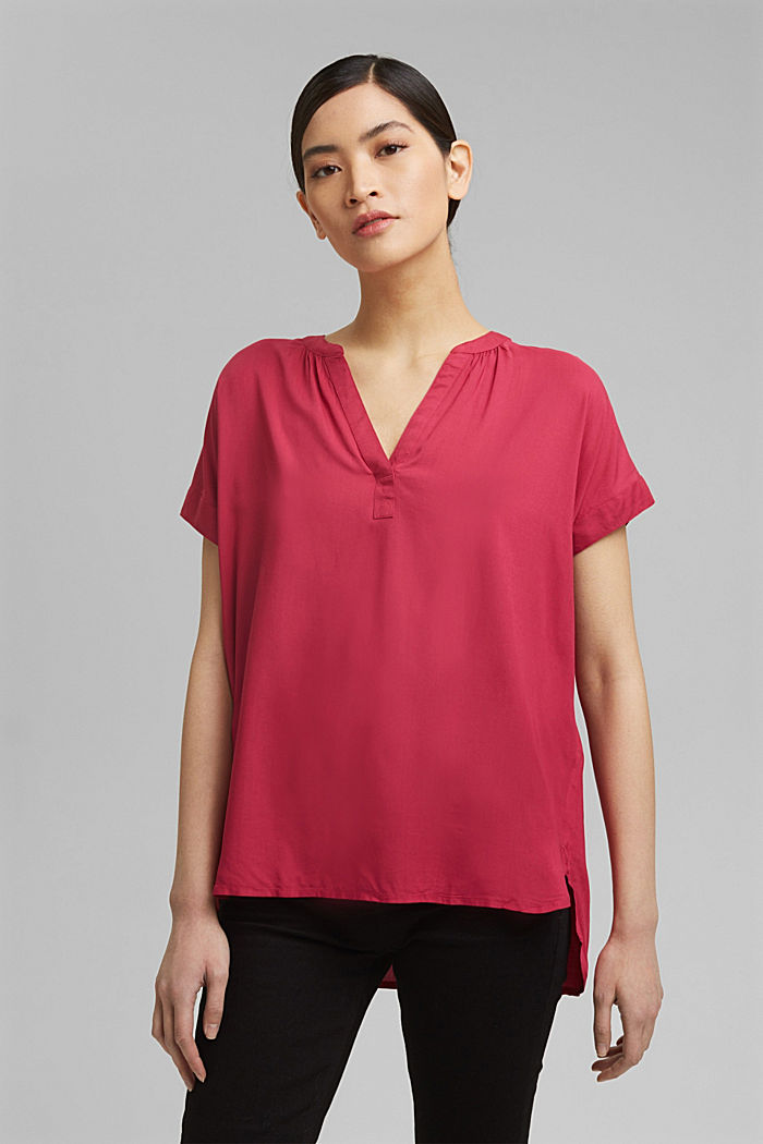 Blouse made of LENZING™ ECOVERO™ viscose