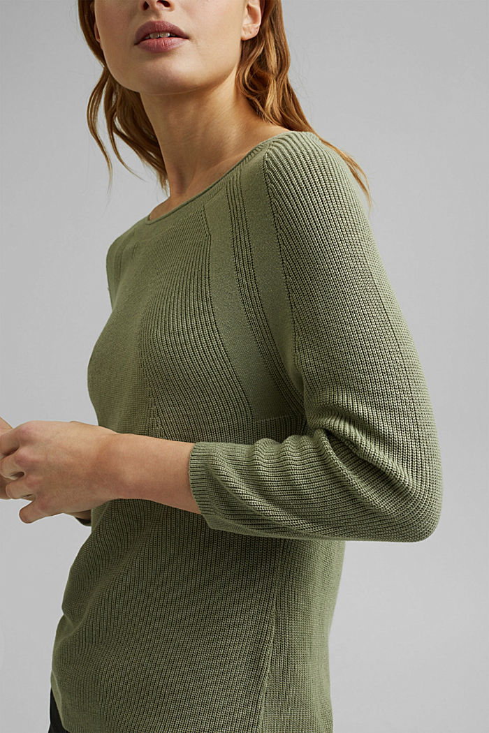 With hemp: Jumper made of LENZING™ ECOVERO™