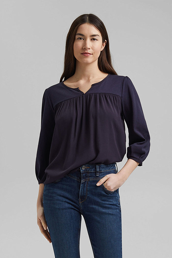 Top made of LENZING™ ECOVERO™ and organic cotton, NAVY, detail image number 0