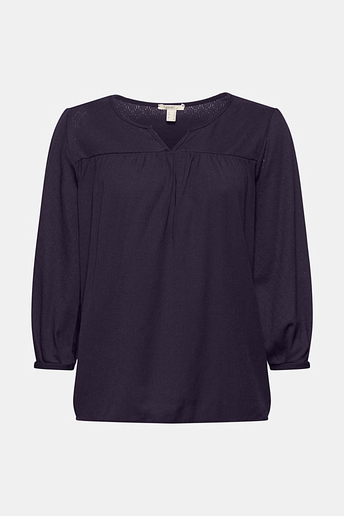 Top made of LENZING™ ECOVERO™ and organic cotton