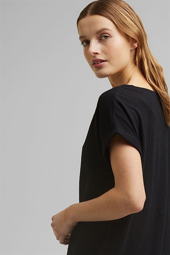 Boxy mixed material top containing organic cotton