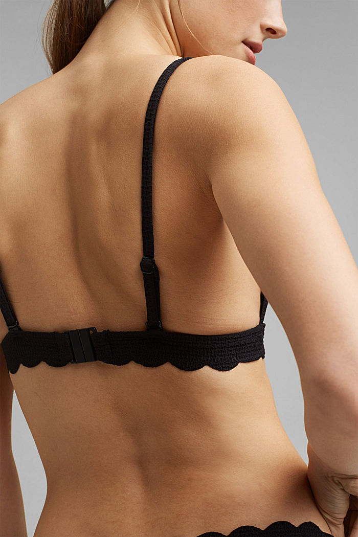 Padded top with texture and a wavy edge, BLACK, detail image number 3