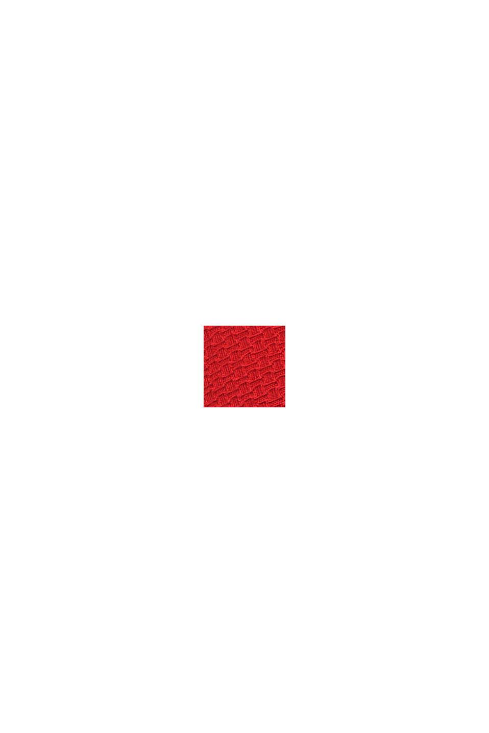 Vadderat linne med struktur och vågformad kant, RED, swatch
