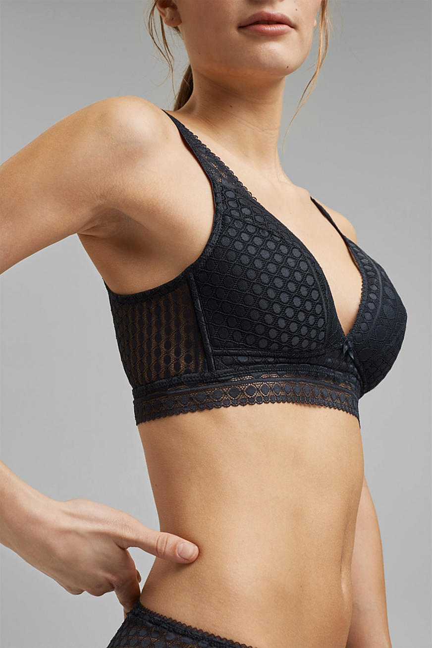 Non-wired, padded bra made of graphic lace