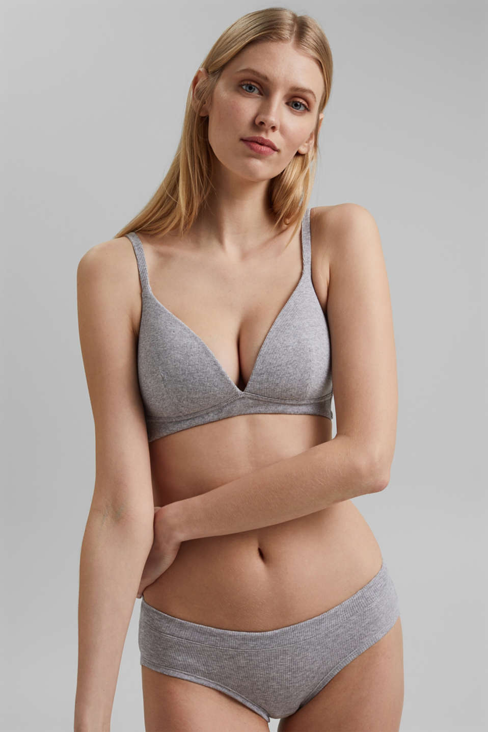 Esprit - Padded non-wired bra containing organic cotton