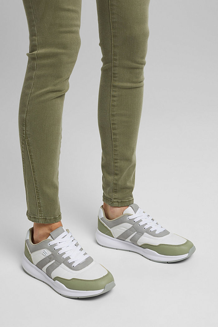 Trainers in a mixed material look
