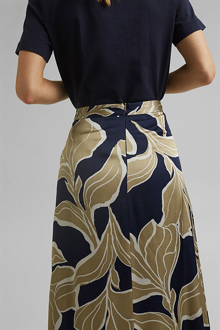 Floral print satin skirt in a midi length, NAVY, detail image number 5
