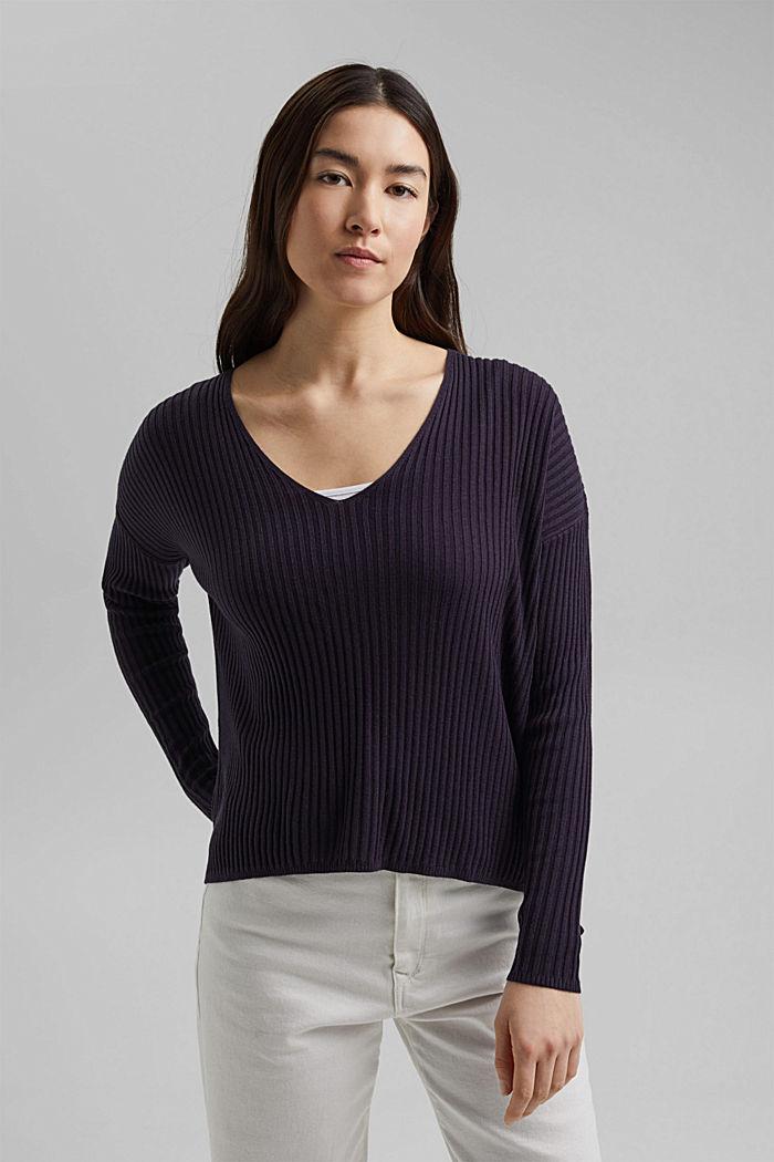 En TENCEL™ et laine: le pull-over côtelé à encolure en V, NAVY, detail image number 0