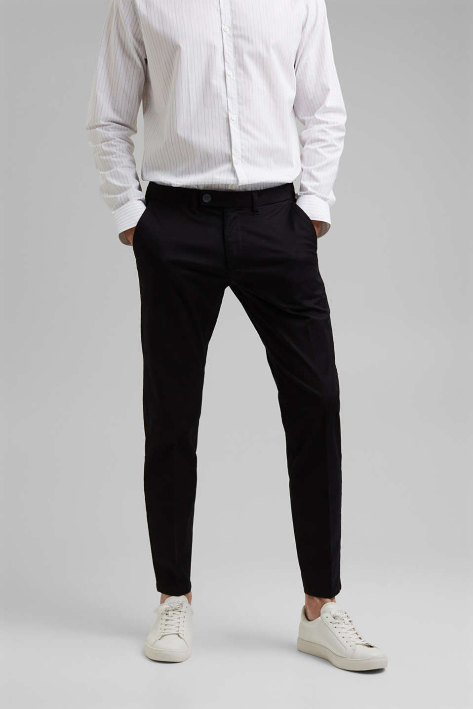 Esprit - Trousers made of organic cotton with Lycra xtra life™