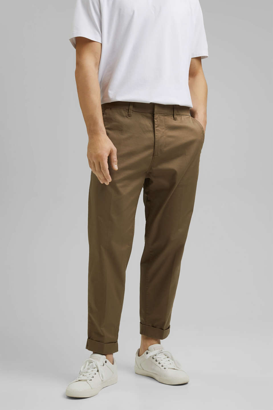 Esprit - Cropped stretch trousers with organic cotton