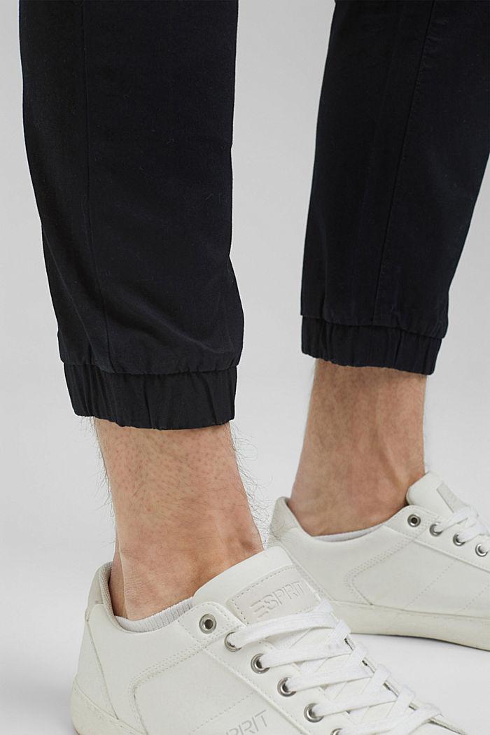 Knöchellange Jogg-Hose aus Bio-Baumwolle, BLACK, detail image number 5