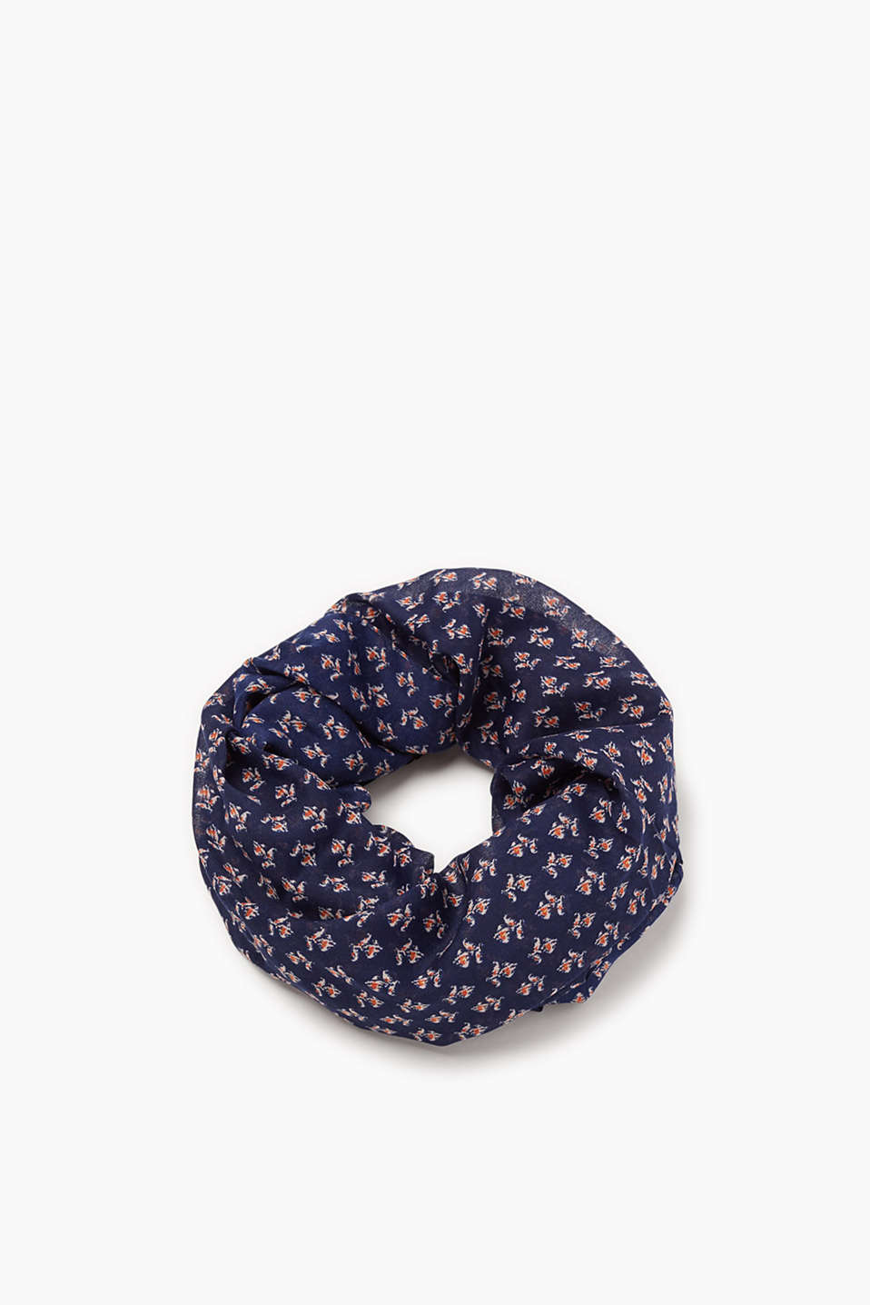 Comfortable, soft and lightweight snood with a print