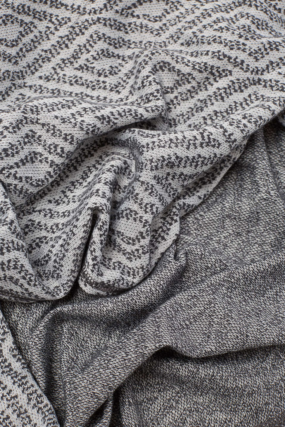 Soft woven snood in blended cotton