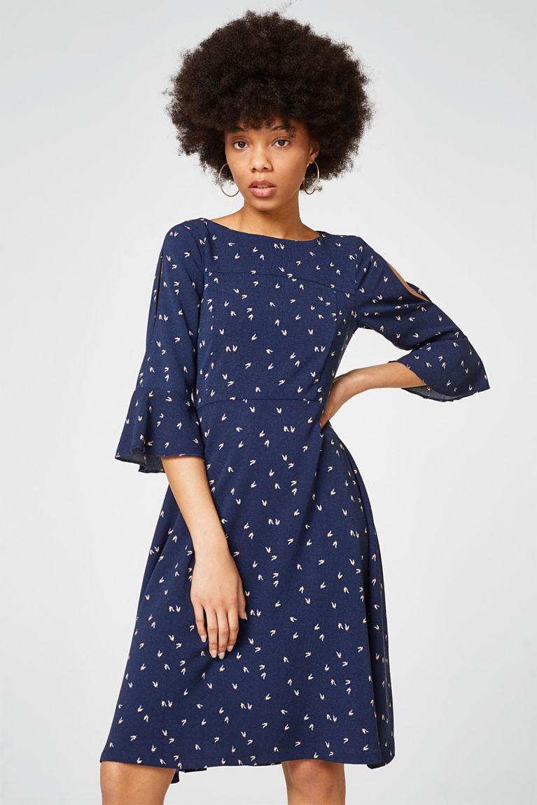Ausgestelltes Kleid mit Allover-Print